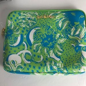 NWOT Lilly Pulitzer IPad/ table Holder